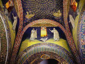 世界遺産の町イタリア「ラヴェンナ」で金や瑠璃色のモザイク鑑賞を