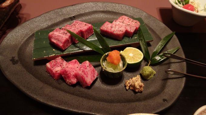 食事は個室の水琴亭で絶品の懐石料理を