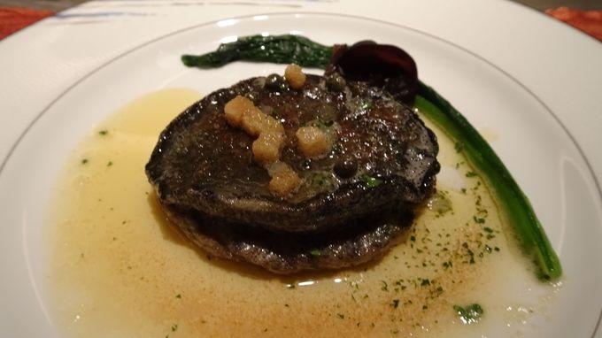 志摩観光ホテル伝統の味 鮑ステーキを堪能