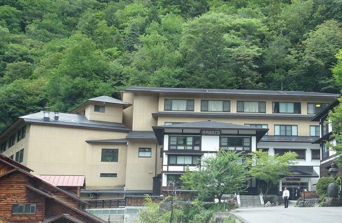 白骨温泉の奥座敷に佇む風格ある大型旅館