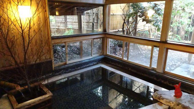 7ヶ所ある貸切風呂は24時間入れる源泉かけ流しの温泉