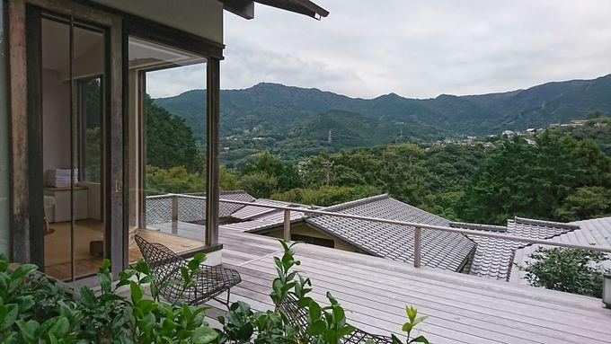 眺望抜群の小浴場と庭園風呂の大浴場で自家源泉を