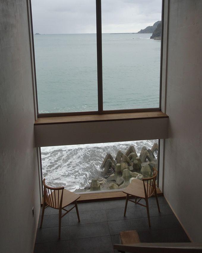 滞在中は何処にいても波の音と海の香りに癒される