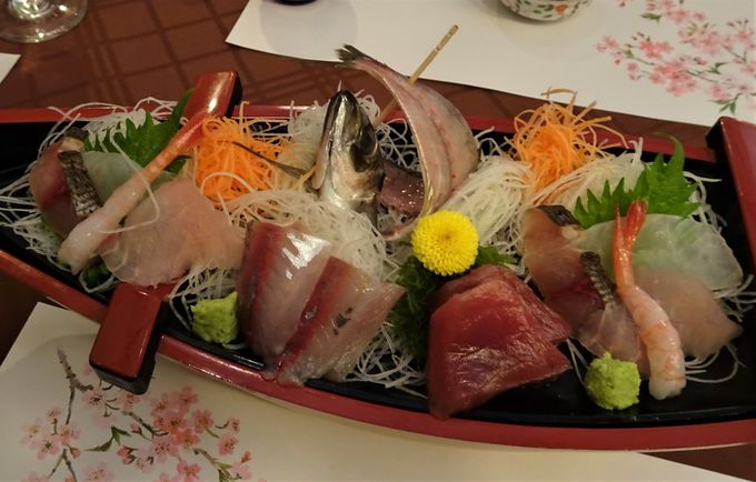 お酒といただく料理は伊豆の食材に拘った創作料理
