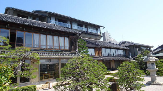 宍道湖の畔に建つ文人ゆかりの宿「皆美館」の湖畔庭園は必見