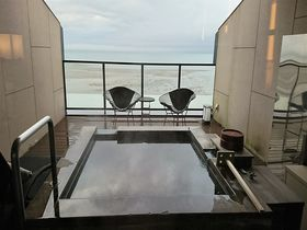 長崎・島原温泉「南風楼」の特別室は海に浮かぶスカイスイート