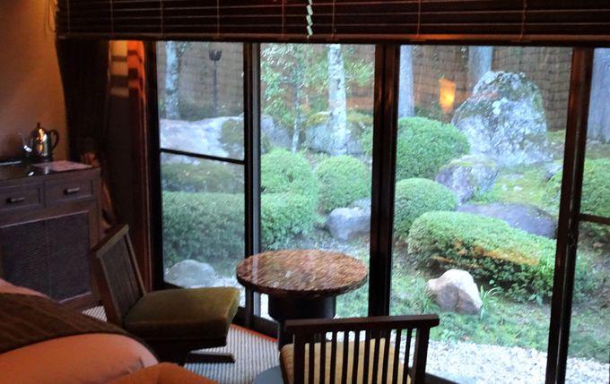 森の中に佇む部屋は自然いっぱいの全8室