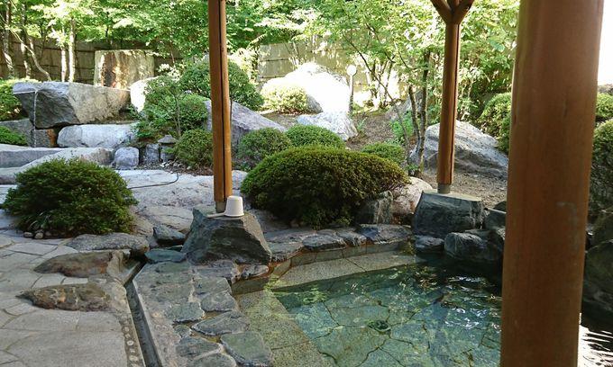 駒ケ根の山並みを見ながら温泉を楽しむ