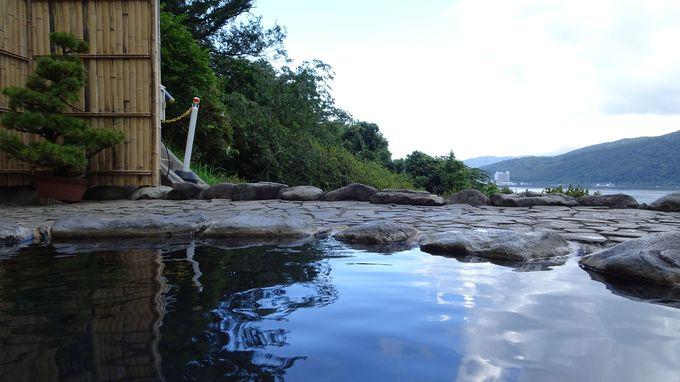 源泉かけ流しの絶景露天風呂は貸切で楽しむ