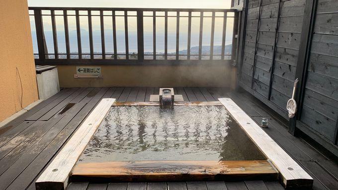 絶景の露天風呂で二人の時間を楽しむ