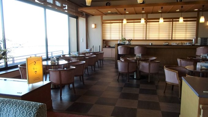 西浦温泉の老舗高級旅館は目の前が海