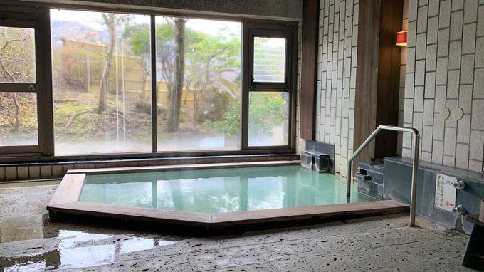 大浴場はにごり湯が贅沢にも源泉かけ流し
