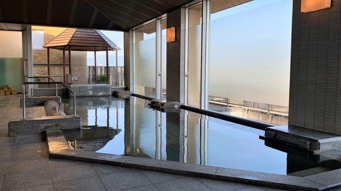 坂本龍馬の誕生した城下町を望む展望大浴場
