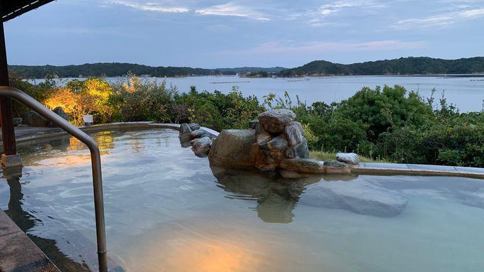 賢島初の天然温泉を引く「庭園露天風呂」は英虞湾が目の前