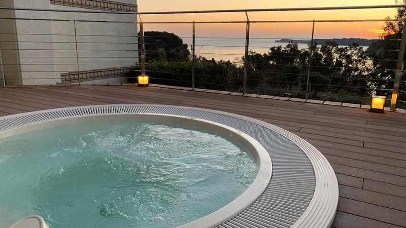 伊勢志摩の的矢湾「サンペルラ志摩」で絶景と美味し国を堪能