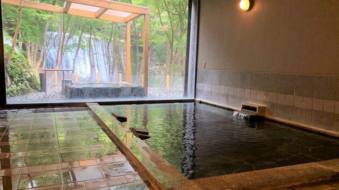 広々した内湯と眺望の良い露天風呂