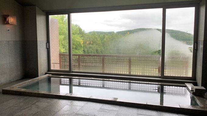 活火山十勝岳の麓に広がる富良野の温泉に癒される