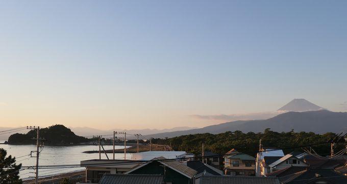 美しい海岸と富士山のコラボはこの部屋ならでは