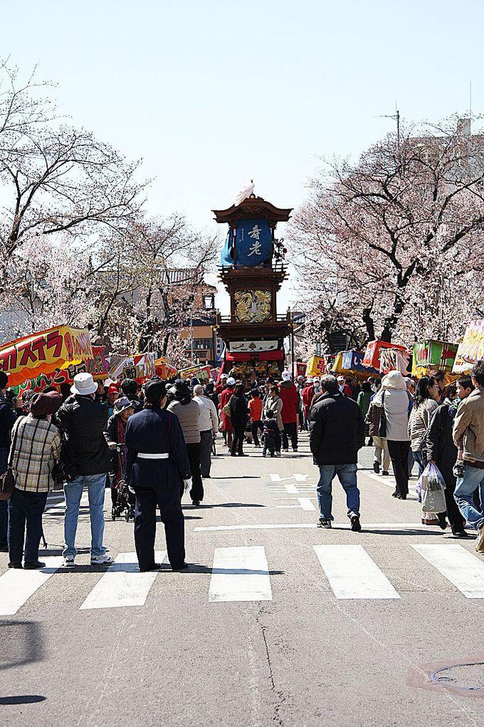 山車を見ながら犬山城下町で食べ歩きを楽しんじゃおう!