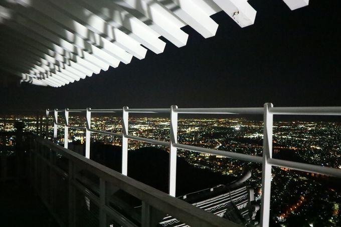 天守閣からは360度全てから夜景が見える!