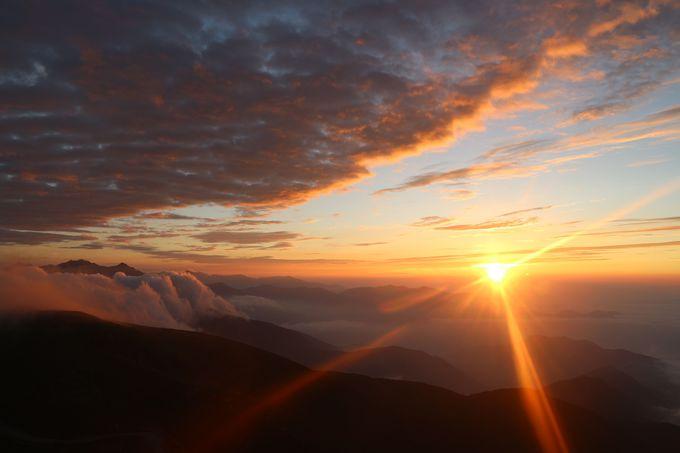 これが、海抜3,000mから見れるご来光だ!