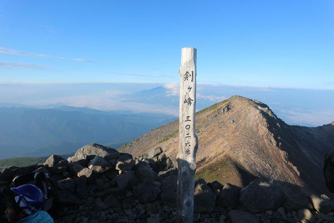 乗鞍岳最高峰の景色は抜群!
