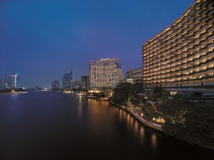 交通至便なシャングリ・ラホテルなら、エキサイティングな夜の計画もバッチリ!