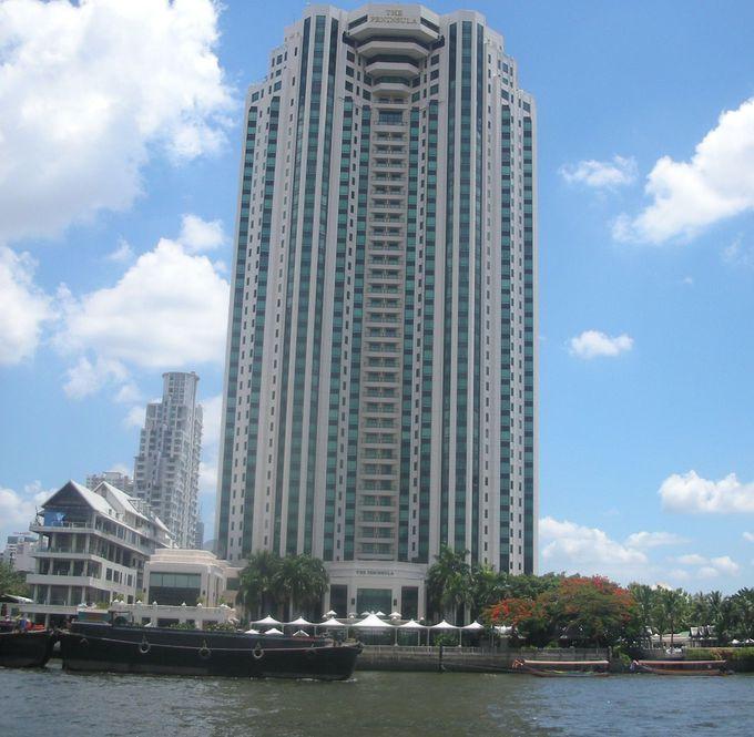 川沿いに佇む迫力の高層ビルがザ・ペニンシュラバンコク