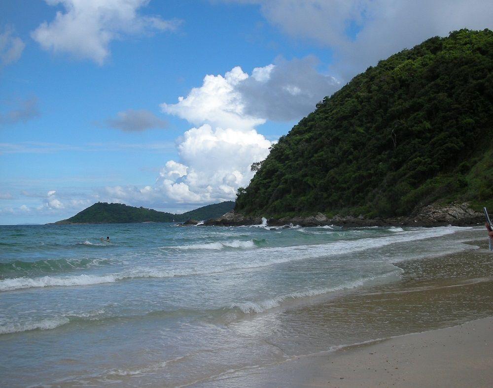誰もいない!メインビーチと違いすぎる静寂のアオプラオビーチ