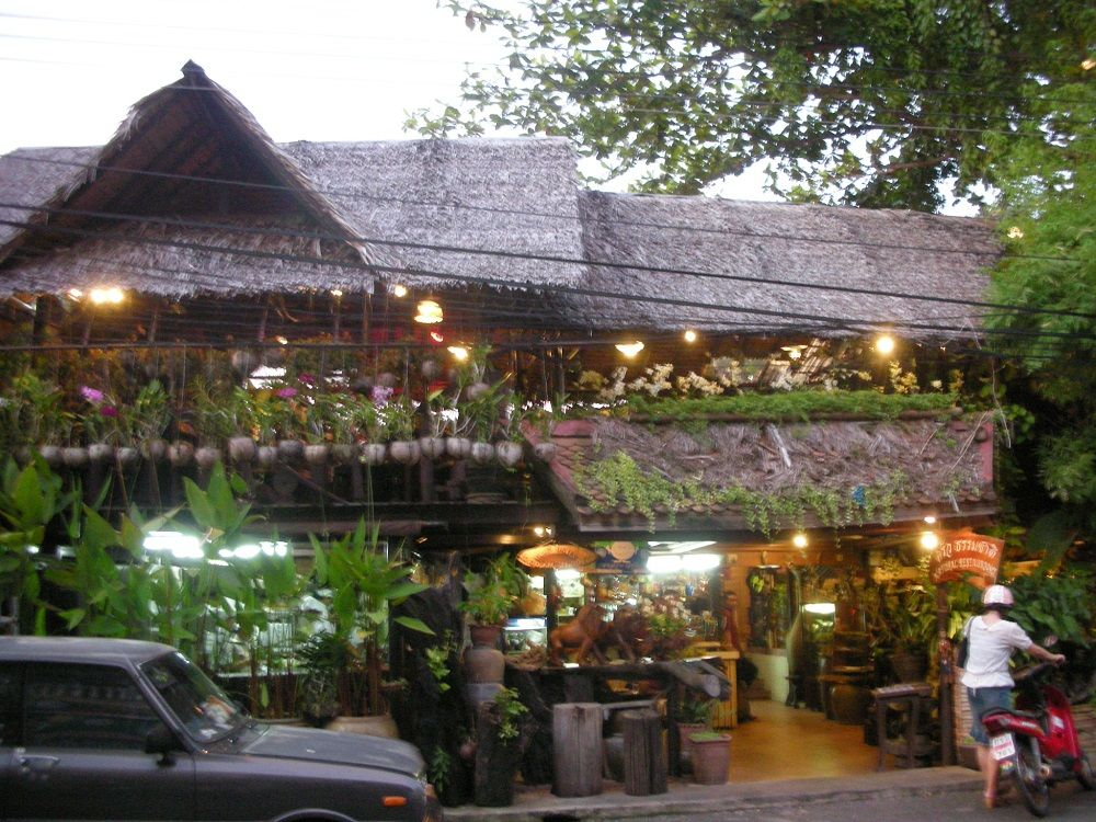 プーケットタウンで食事するなら絶対ここ!タイ人が推薦する一軒家レストラン「ナチュラルレストラン」