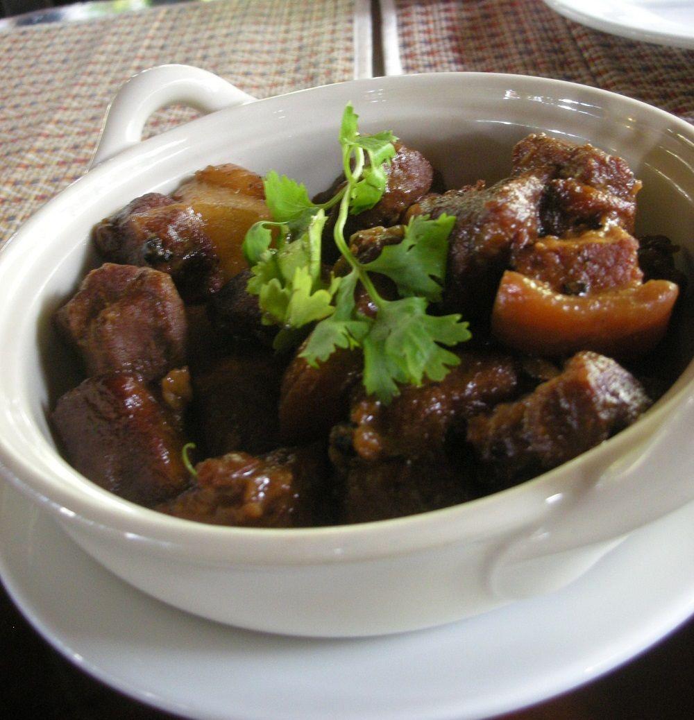 タイ料理と中華料理が混ざった豚の角煮が激ウマ!