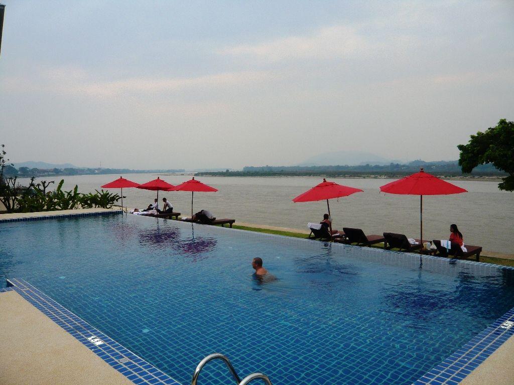 サイアムトライアングルホテル:メコン川を目の前に望むデラックスルームが1部屋4000円!