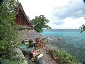 プーケットの絶景シービューレストラン・On The Rockは世界中の旅行者憧れの場所