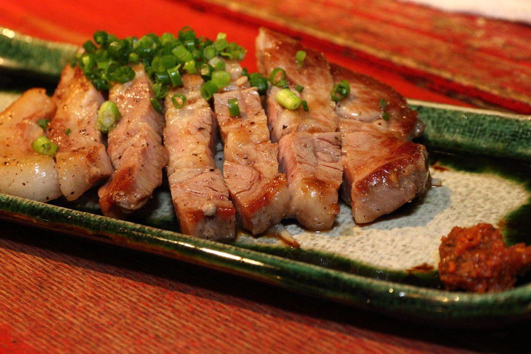 沖縄原産のアグー豚ステーキが美味♪うなじ
