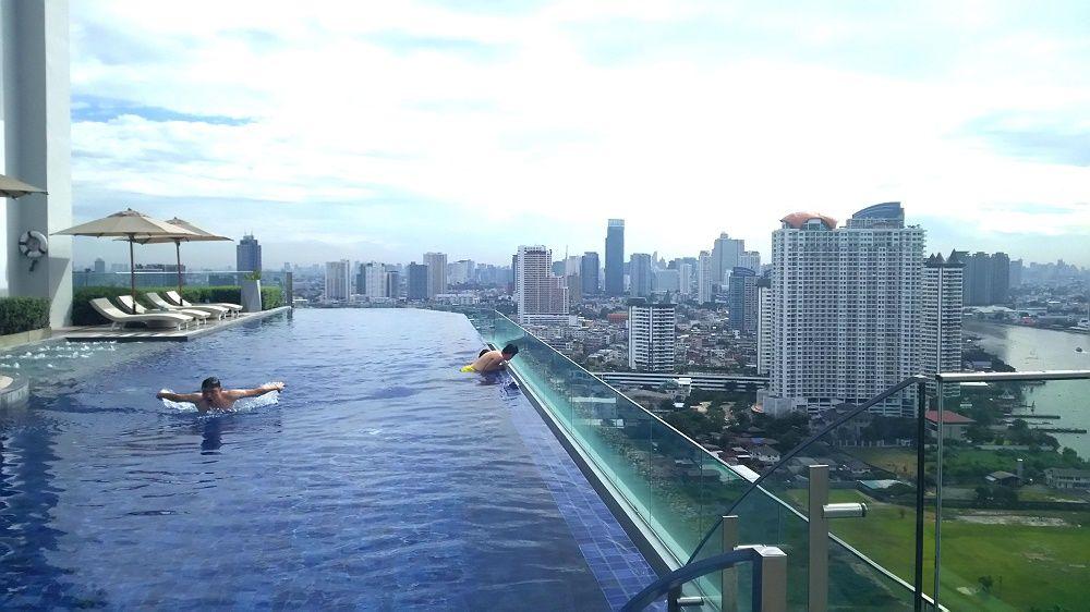 バンコク1の絶景インフィニティプールが素敵すぎるホテル「アヴァニリバーサイドバンコク」