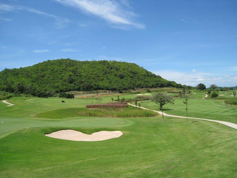 若き日のプミポン国王もプレイしたタイのゴルフ場発祥の地「ロイヤルホアヒンゴルフクラブ」