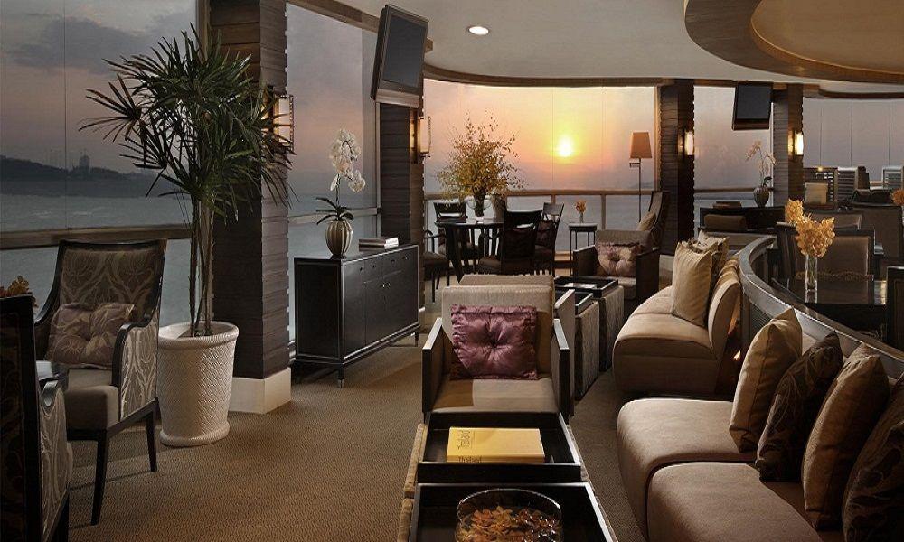 パタヤの老舗高級ホテル!デュシタニパタヤの絶景クラブラウンジ