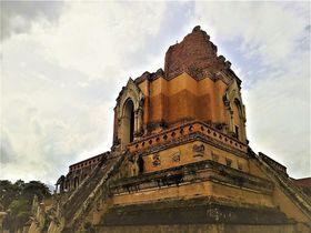 チェンマイ最強のパワースポット「ワットチェディルアン」巨大な仏塔に圧倒される