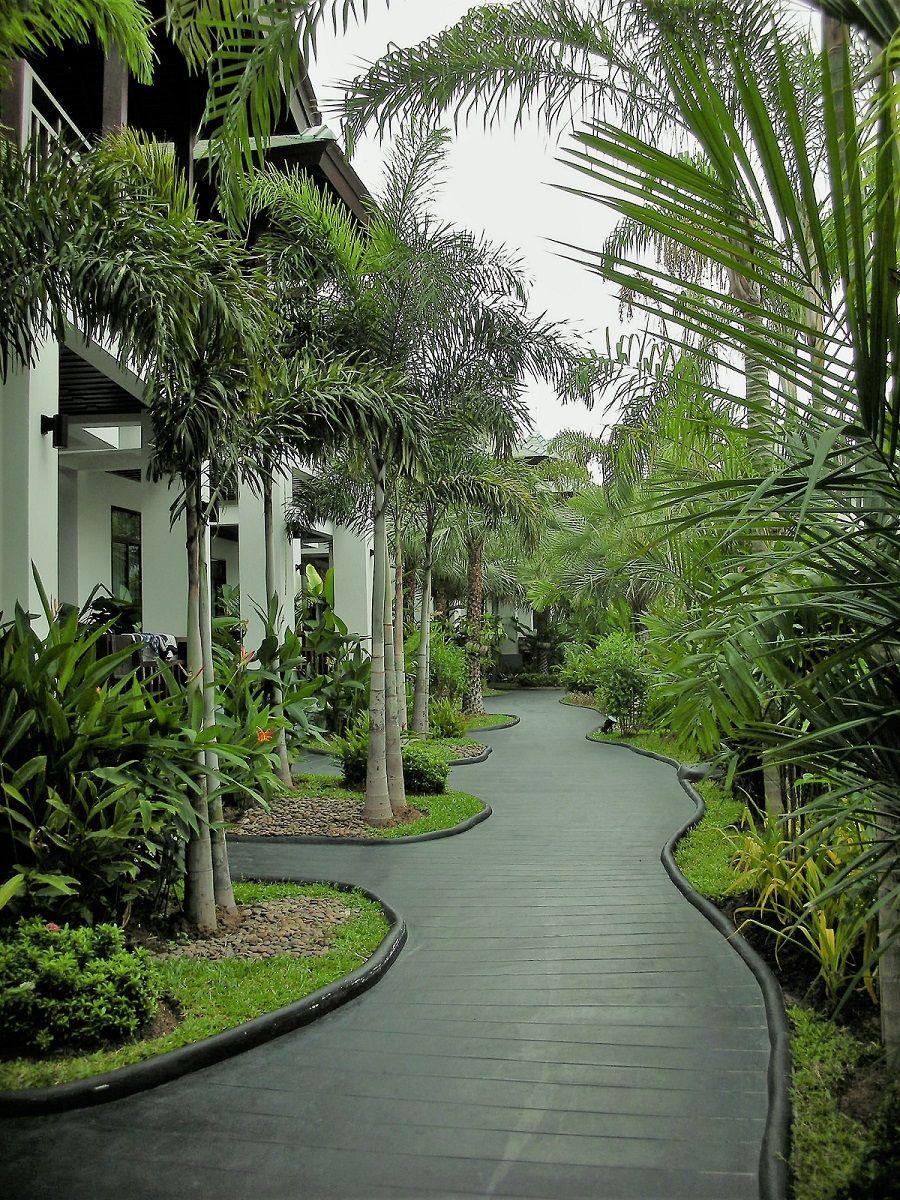 緑の庭園にうっとり!ザ・ザインプレミアムヴィラ