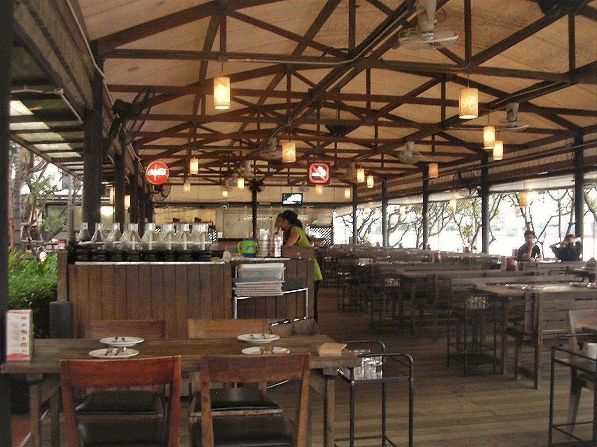 タイ人に大人気のバンコクリバーサイドレストラン「ザ・ビュー」