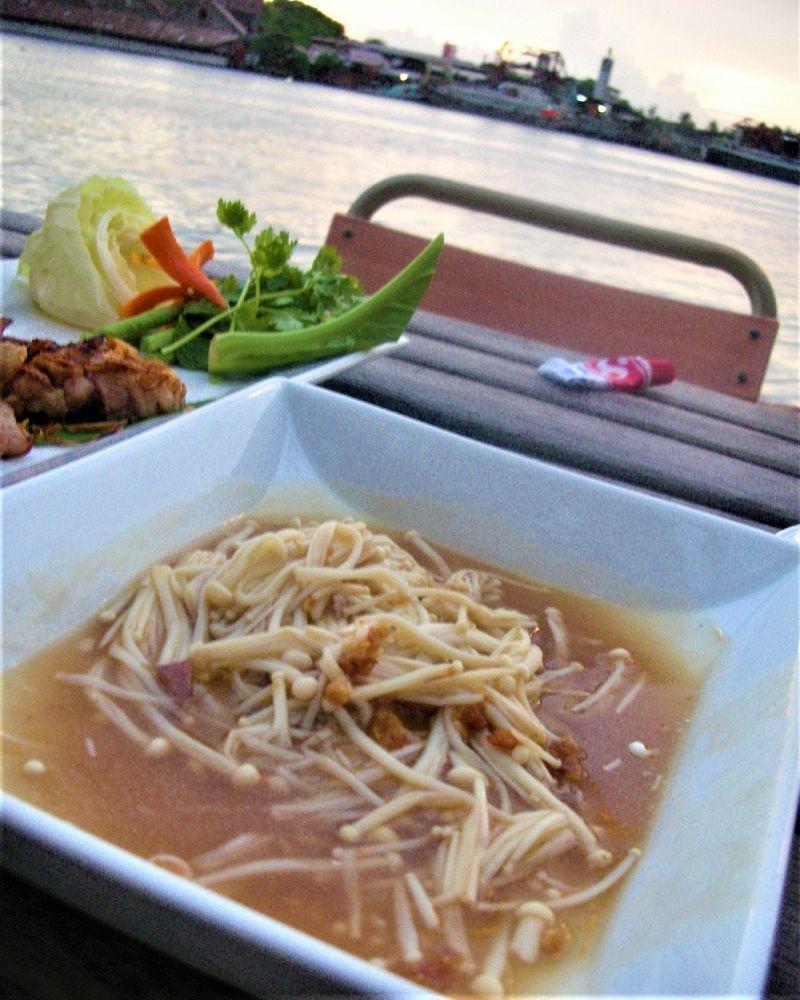 安い!美味しい!タイ人が勧めるバンコクリバーサイドレストラン