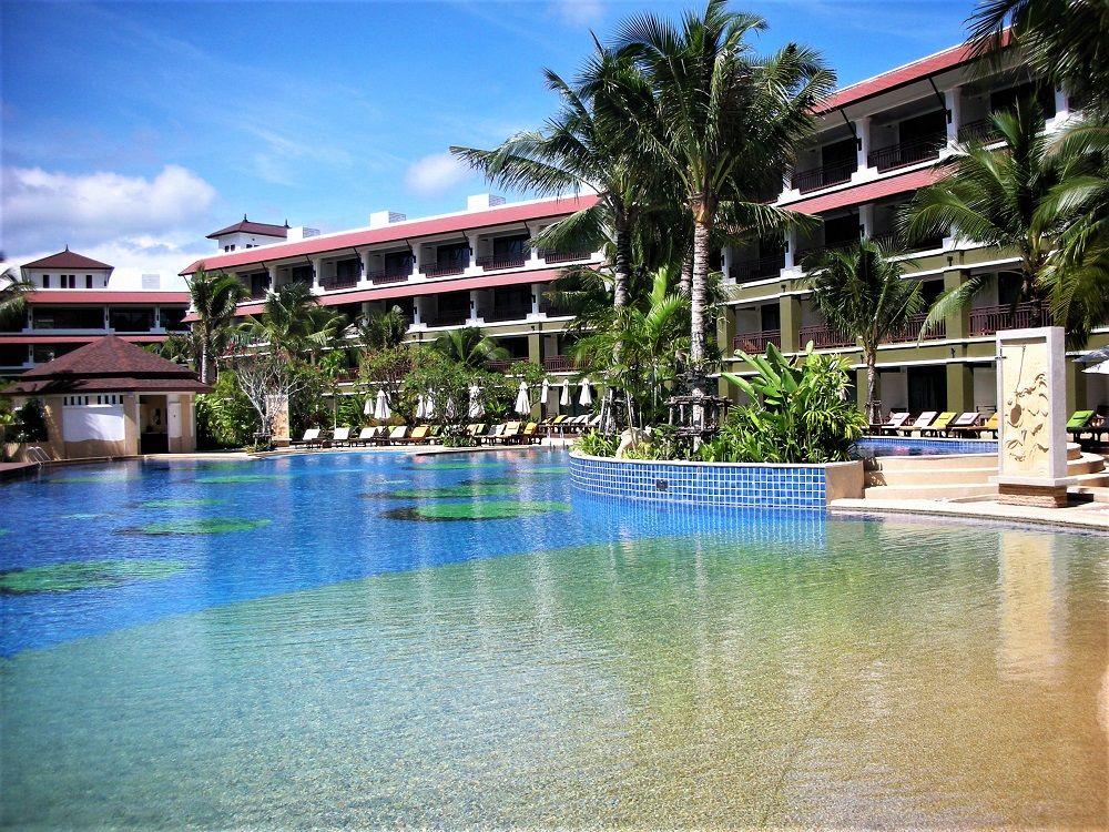 プーケット・カタビーチでプールアクセスのできるホテル