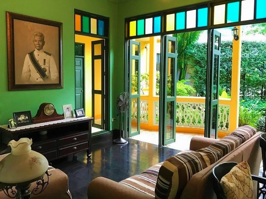 バンコク歴史的建造物のお屋敷ホテルで昔ながらのおもてなしを受ける
