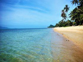 サムイ島・誰もいないビーチの激安ホテル「バンポービレッジ」