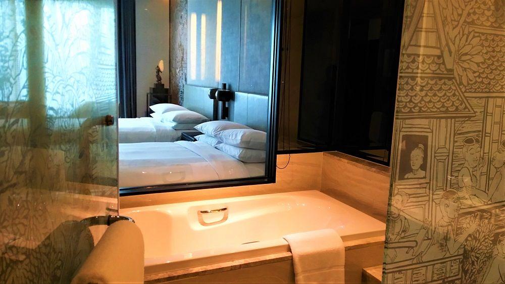 タイの良さを全面に出したアートなホテルの客室