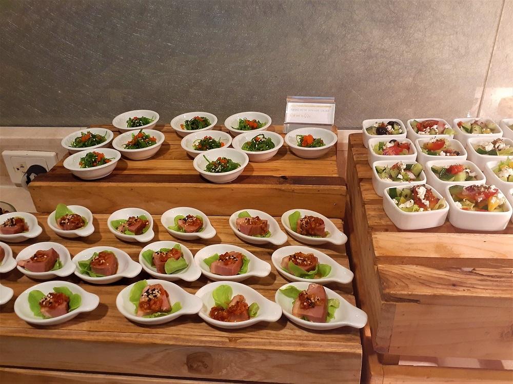 ルメリディアンチェンマイのカクテルタイムは料理が豊富!