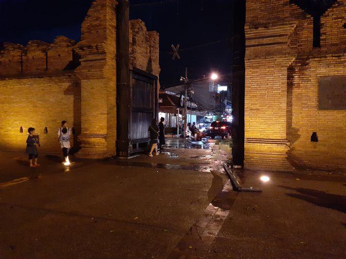 ナイトマーケットも寺院巡りも制せる旧市街ターペー門すぐ側
