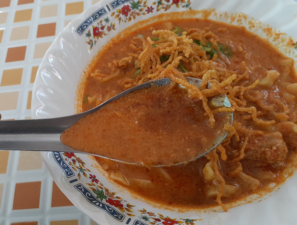 まったり濃厚スープとモチモチ麺に感動!