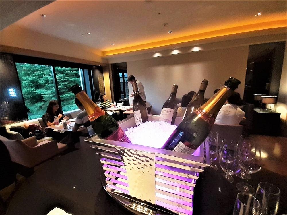 シェラトン都ホテル東京クラブラウンジのバータイム!