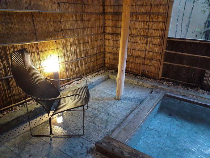 野趣あふれる人気の露天風呂「鄙の湯」